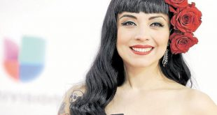 """En el marco de los Latin Grammy 2018, Mon Laferte habló de su nuevo disco """"Norma"""""""