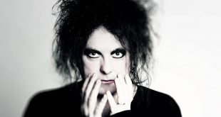 21 de abril de 1959, Nace Robert Smith de The Cure