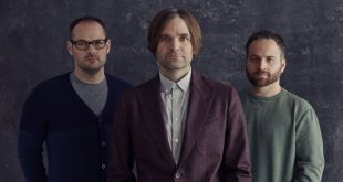 Death Cab for Cutie reaparecen con nuevo disco y single