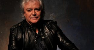 15 de junio de 1949, nace Russell Hitchcock de Air Supply