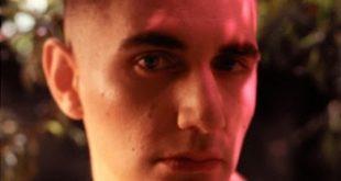 """El nuevo sencillo de Alex Anwandter, """"Locura"""" ¡Estreno hoy!"""