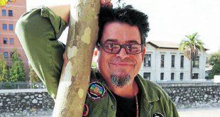 Joe Vasconcellos regresa a los escenarios para Vívela Festival.  27 de octubre – Parque Quinta Normal