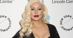 ¿Qué le pasó Christina Aguilera?, Intentó cantar en un bar y no la reconocieron!