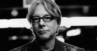 17 de diciembre de 1958, nace Mike Mills bajista de R.E.M.